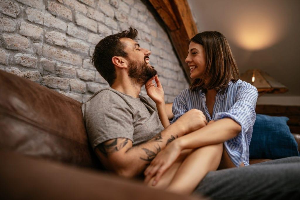 couple amoureux et complicent